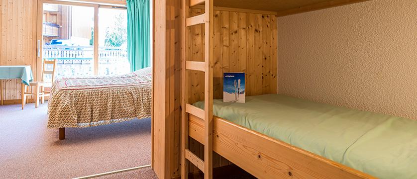 france_portes-du-soleil_morzine_hotel-bel-alpe_bedroom_bunk_beds.jpg